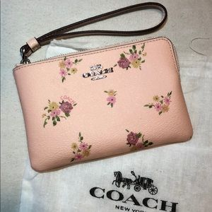 Authentic Coach DB Corner Zip Wristlet